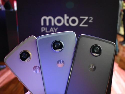 Moto Z2 Play, primeras impresiones: el metal y los 4 GB de RAM llegan a la gama media de Motorola