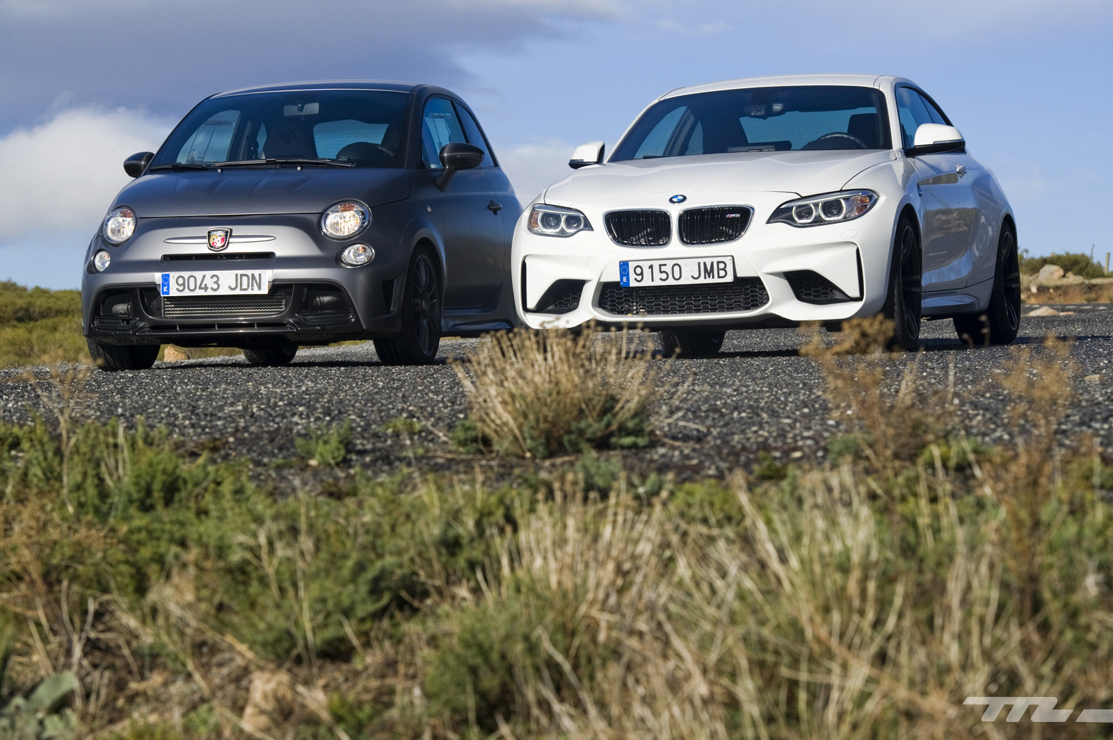 Foto de Abarth 695 Biposto vs BMW M2 (5/44)