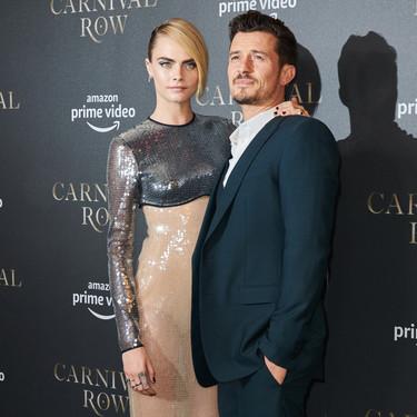 """Cara Delevingne nos muestra en la première de """"Carnival Row"""" de Berlin que los looks de gala pueden ser originales a la par que elegantes"""