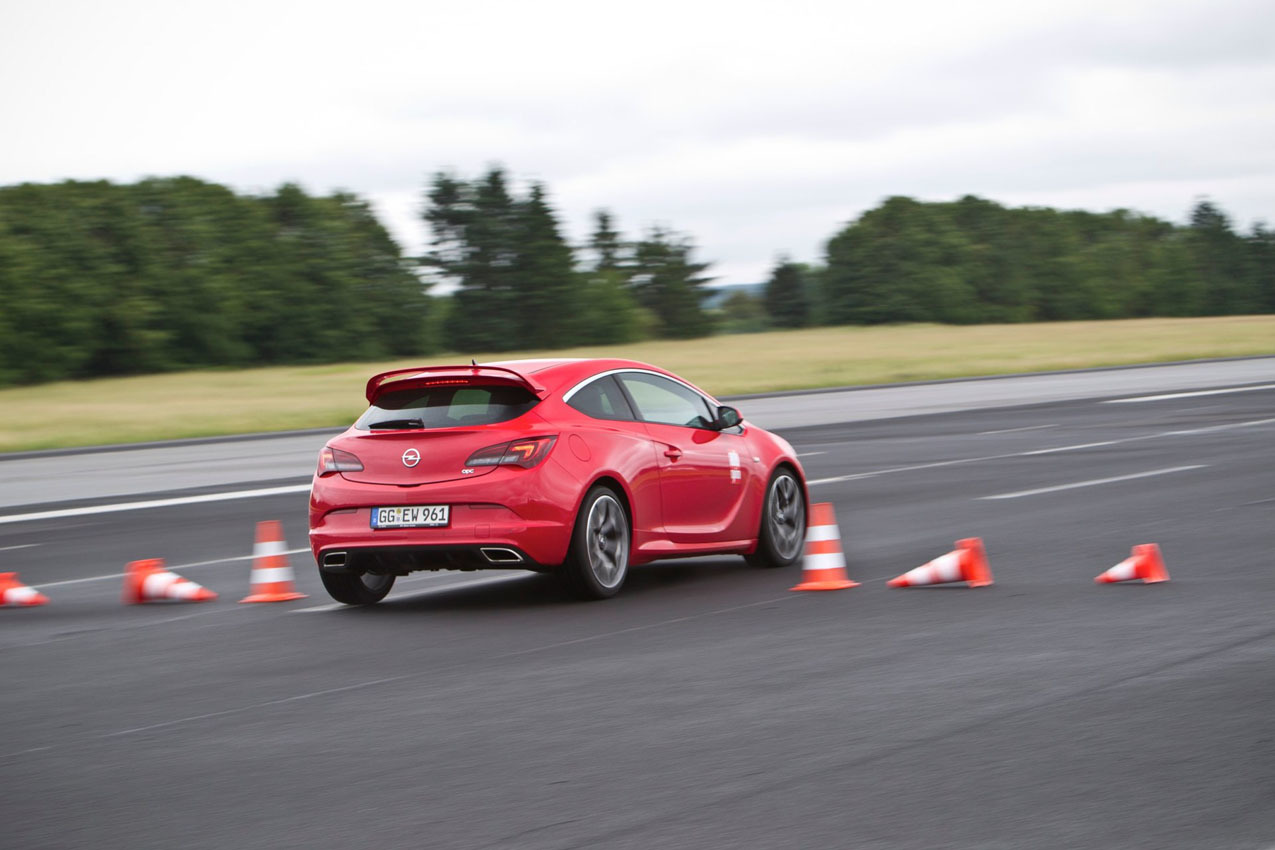 Foto de Opel Astra OPC (41/46)