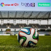 La Liga aleja el fútbol de los operadores: obligará a venderlo como un servicio separado por internet