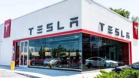 Tesla anuncia una subida de precios de sus coches eléctricos: la compañía da marcha atrás con el plan de cerrar sus tiendas físicas