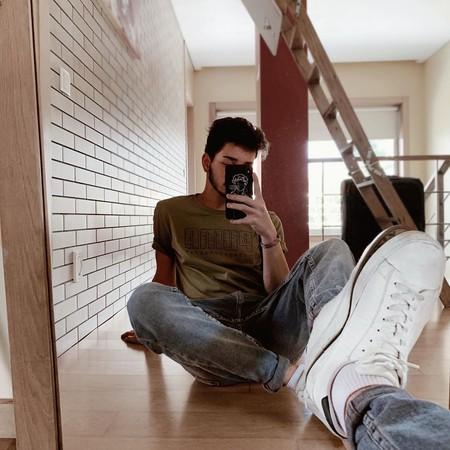 Las selfies al espejo demuestran que el mejor estilo está en casa y no en las calles