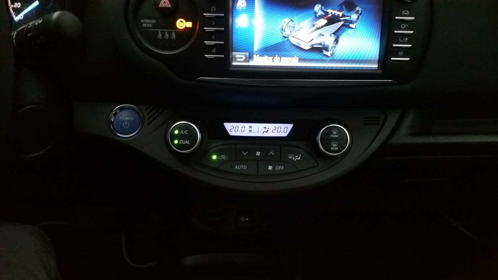Foto de Pasamos unos días con el Toyota Yaris hybrid-Interiores (15/26)