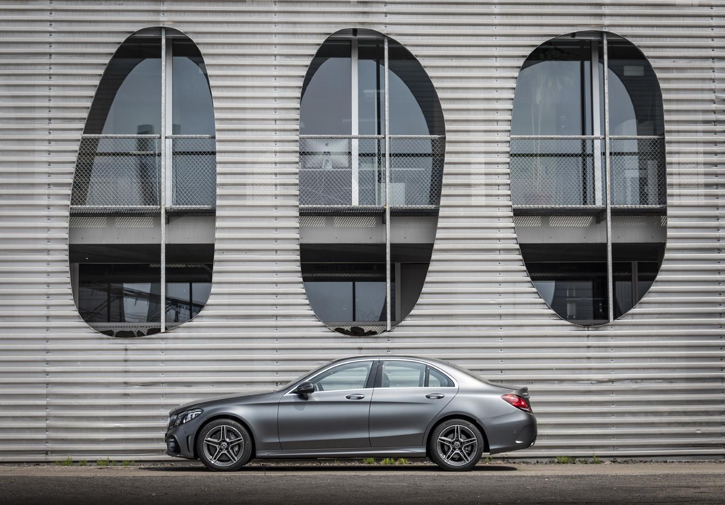 Foto de Mercedes-Benz Clase C 2018, toma de contacto (104/255)