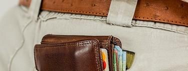 El salario medio aumenta un 2,2 por ciento y se sitúa en los 1.695 euros al mes, el máximo histórico