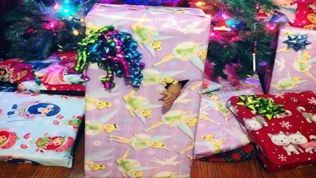 Terrible Gift Wrapping Fails 18