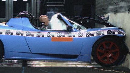 Crash-test del Tesla Roadster: ¿cuáles son las peculiaridades de un coche eléctrico?