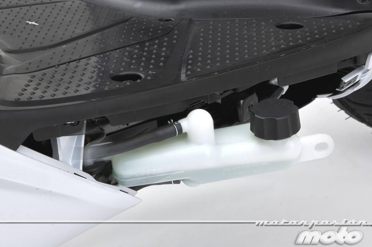 Foto de Honda Scoopy SH125i 2013, prueba (valoración, galería y ficha técnica)  - Fotos Detalles (30/81)