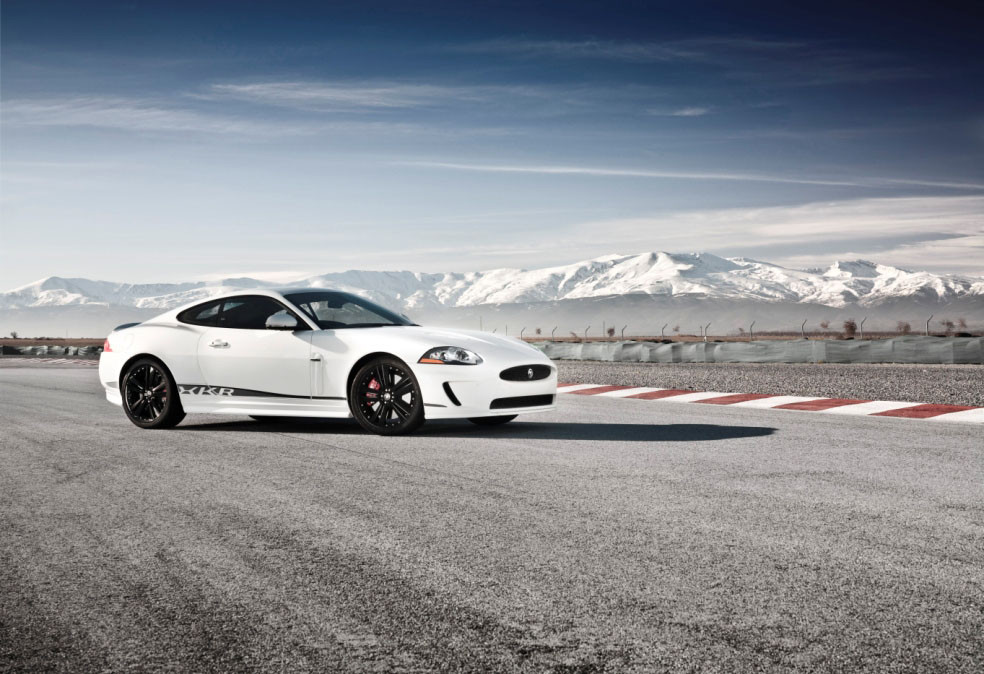 "Foto de Jaguar XKR ""Speed Pack"" y ""Black Pack"" (1/6)"