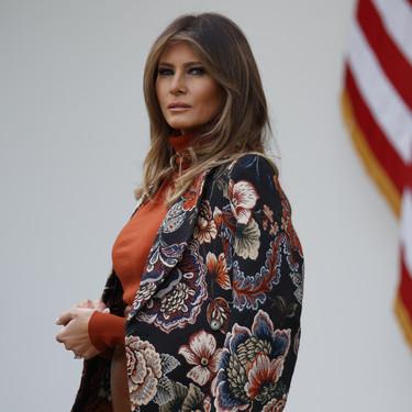 El abrigo de Melania Trump que vas a querer comprar en el Black Friday (si tienes 1.265 euros)
