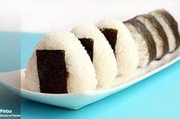 Receta de onigiri de umeboshi