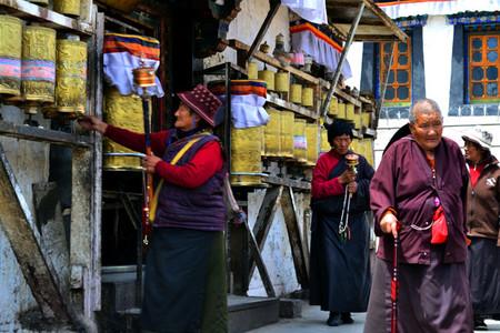 ancianas-rezando