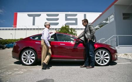 Tesla acusada de publicidad engañosa