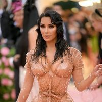 Gala Met 2019: Kim Kardashian apuesta por un look efecto mojado en homenaje a Sofía Loren