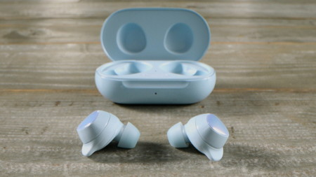 Galaxy Buds Feature Story Main 4 F