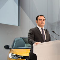 Carlos Ghosn, detenido otra vez por nuevas acusaciones de malversación de fondos y 'castigado' sin jubilación