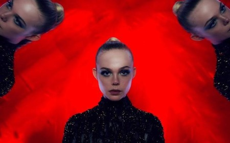 Neon Demon Rojo