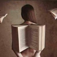 Polémica en la Feria del Libro de Zamora por un cartel que muestra la espalda de una mujer desnuda