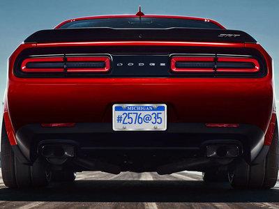 Dodge Challenger SRT Demon, una bestia loca que calza neumáticos ¡de 315 mm en las cuatro ruedas!