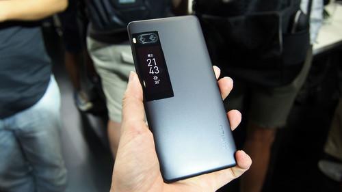 Meizu Pro 7, primeras impresiones: esto sí es una doble pantalla