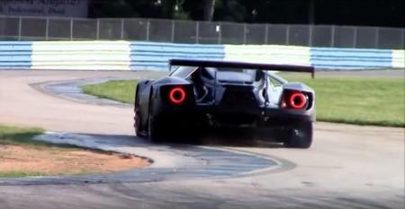 El Ford GT de carreras suena como una mala digestión