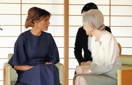 El look más recatado de Melania Trump nos lo deja tras su visita a Japón