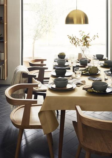 Minimalismo, acabados naturales y un toque vintage en la nueva línea de cocina de H&M HOME