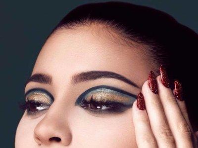 Kylie Jenner nos muestra sus propuestas de maquillaje navideño
