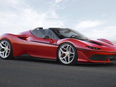 Maranello rinde homenaje a Japón con el inédito y espectacular Ferrari J50