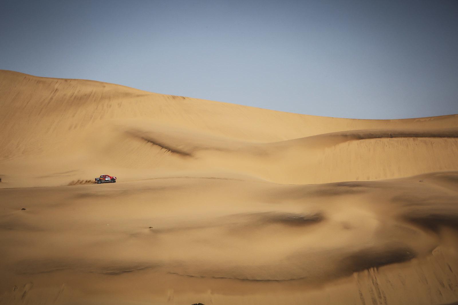 Foto de Toyota Hilux 2016 Namibia (34/74)