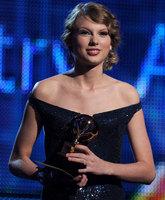 Beyoncé, Taylor Swift y Lady Gaga triunfan en los Grammy