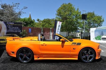 Imagen lateral del Mustang Saleen 351 Supercargado