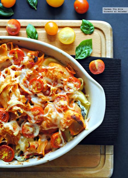 Gratinado de pasta con ricotta, espinacas, limón y tomates cherry. Receta