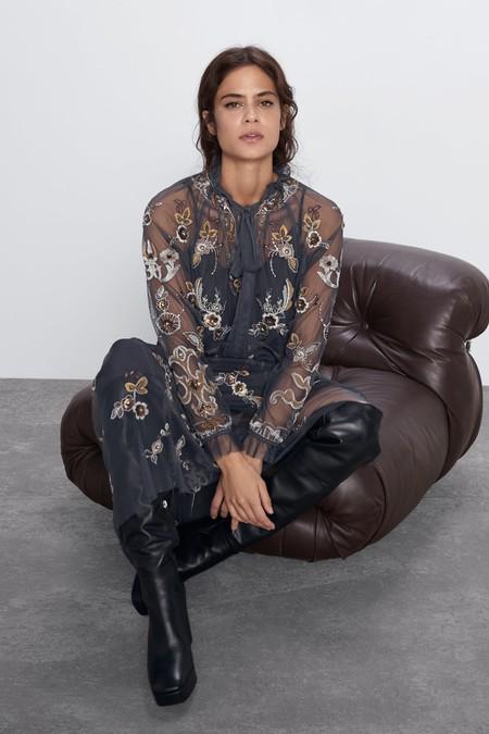 Este es el vestido de tul bordado de Zara que podría convertirte en la mejor anfitriona estas Navidades