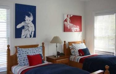 Una buena idea para dormitorios compartidos: personaliza con sus fotos