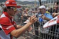 Fernando Alonso el más rápido en el Principado y Heikki Kovalainen ahuma el túnel