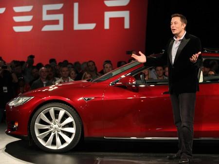 Sigue el éxodo de talentos: Matt Casebolt, diseñador de Apple, se va a Tesla
