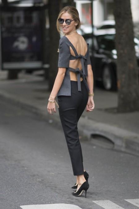 Si te enamoraste de la blusa con lazos a la espalda de Chiara, Zara la reinventa este otoño