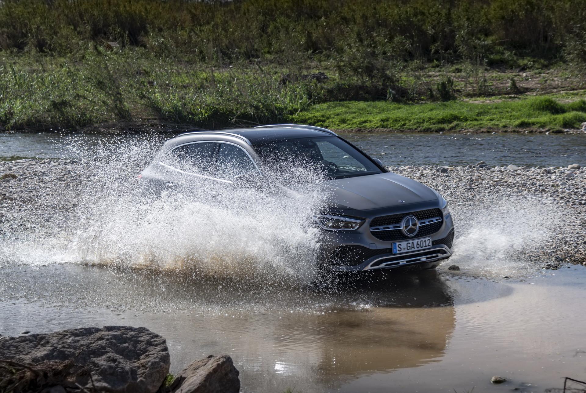 Foto de Mercedes-Benz GLA 2021 (35/103)