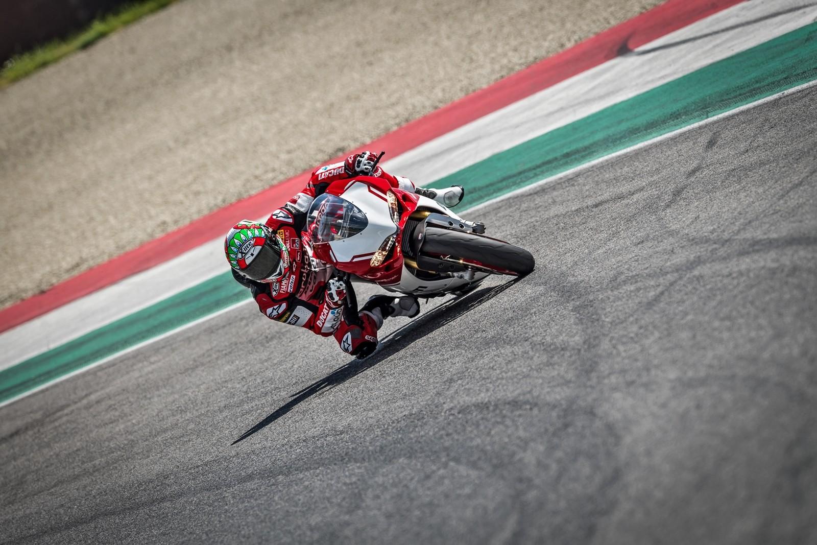 Foto de Ducati 1299 Panigale R Final Edition (22/58)
