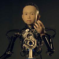 Ibuki, el robot que simula el aspecto de un niño de 10 años... y que bien podría ser el protagonista de una película de terror