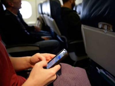 En EEUU quieren que los aparatos electrónicos vuelvan a tener que apagarse en los vuelos