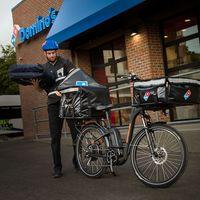 Domino's Pizza quiere sustituir sus coches de reparto por bicicletas eléctricas en EE.UU.