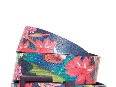Cinturón Desigual con estampado de flores por 20,76 euros con código descuento del 20% que caduca mañana