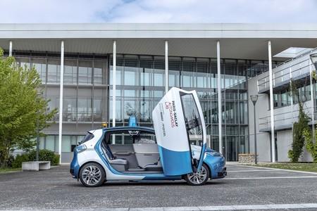 Renault ya prueba sus taxis autónomos en Francia: un centenar de personas montarán en el Renault ZOE sin conductor