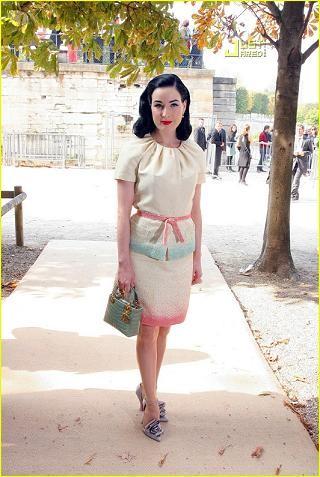 Dita Von Teese en la Semana de la Moda de París