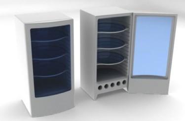 Un frigorífico con estantes giratorios