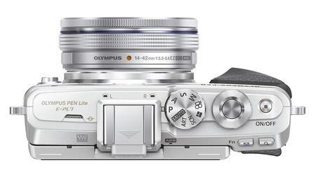 pen_e-pl7_ez-m1442ez_silver__producttop_001-1.jpg