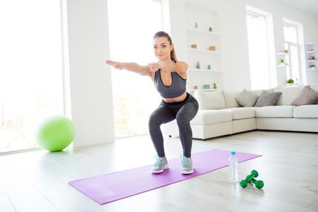 Entrenamiento con tu peso corporal desde cero: los tres primeros ejercicios que tienes que dominar